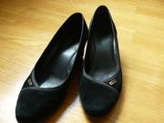 туфли 40 р. из нат. замши,  мало б/у,  куплены в панараме весной 2014
