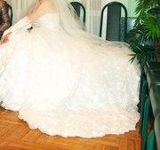 свадебное платье для красивой невесты.